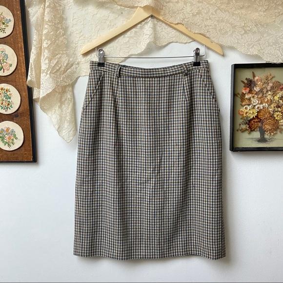Pendleton • Houndstooth Plaid Wool Midi Skirt